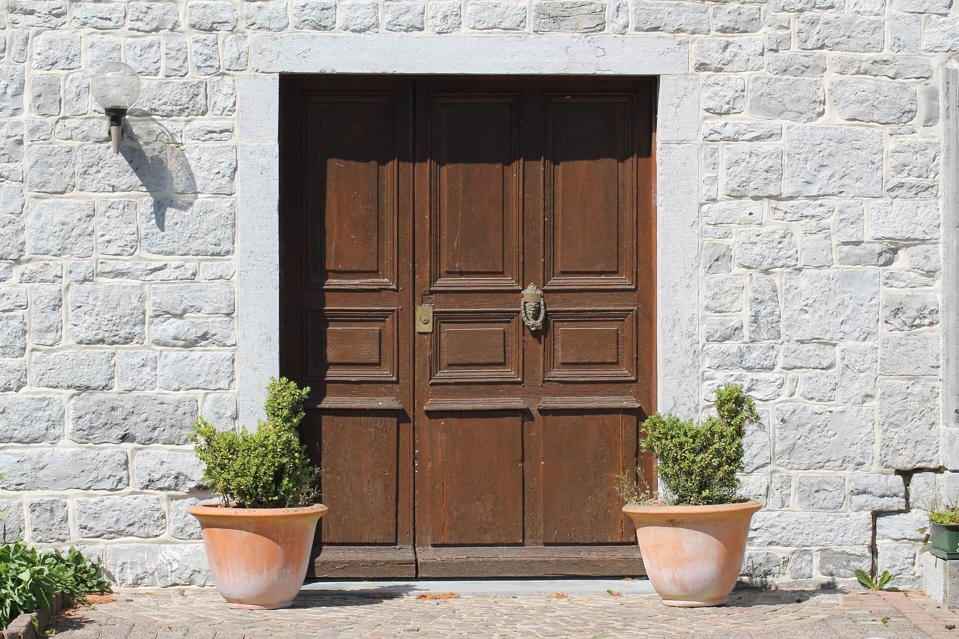 r glage de porte d 39 entr e comment r gler un porte d 39 entr e. Black Bedroom Furniture Sets. Home Design Ideas